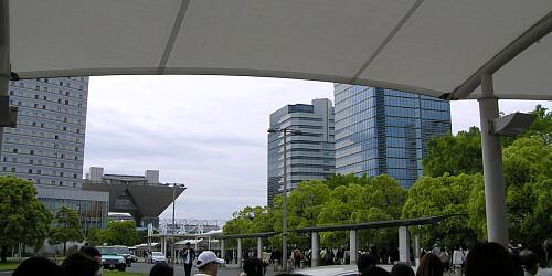 国際展示場駅横のコンビニ辺りから聖地を遠望