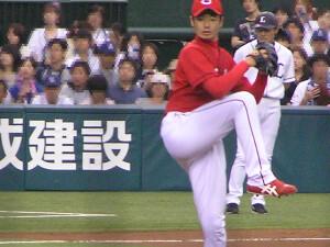 青木高広投手